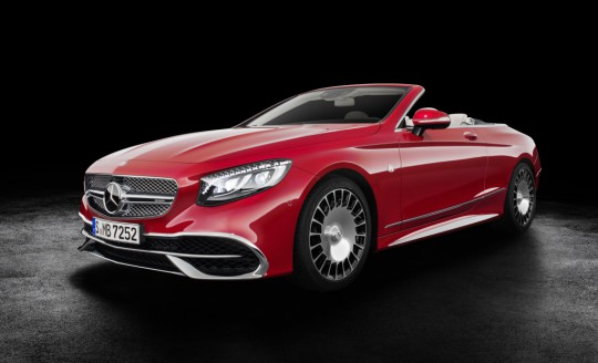 Mercedes-Maybach S 650 Cabriolet  Studioaufnahme, offenes Verdeck ;Kraftstoffverbrauch kombiniert: 12,0 l/100 km; CO2-Emissionen kombiniert: 272 g/km  Mercedes-Maybach S 650 Cabriolet studio shot, open soft top; Fuel consumption combined: 12,0 l/100 km; Combined CO2 emissions: 272 g/km